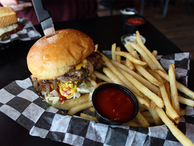 On the Burger Trail: Mainstream Bar & Grill in Waukesha