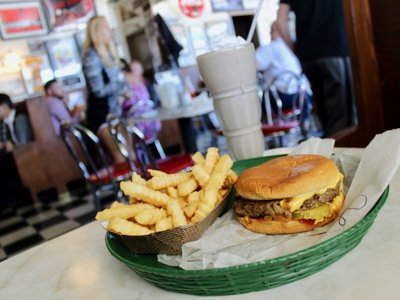 On the Burger Trail: Cheeseburger at Nite Owl