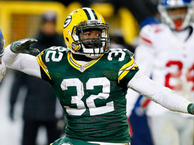 Why did the Packers re-sign running back Christine Michael?
