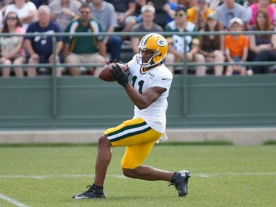 WRs earning Rodgers trust