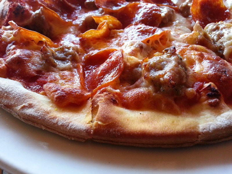 A tasty look at a sausage and pepperoni pizza from the Calderone Club.