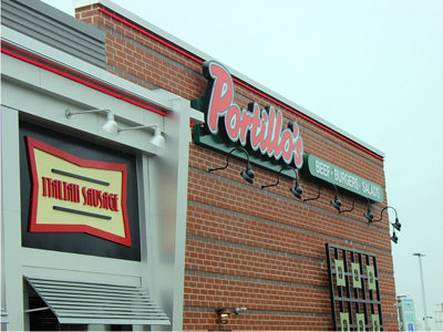Does Portillo's taste as good outside of Chicago? We dine and dish