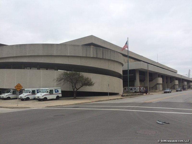Replace Downtown post office with new arena - OnMilwaukee