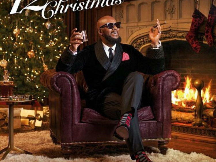 r kelly was in milwaukee last night for a christmas concert at the riverside theater - 12 Nights Of Christmas