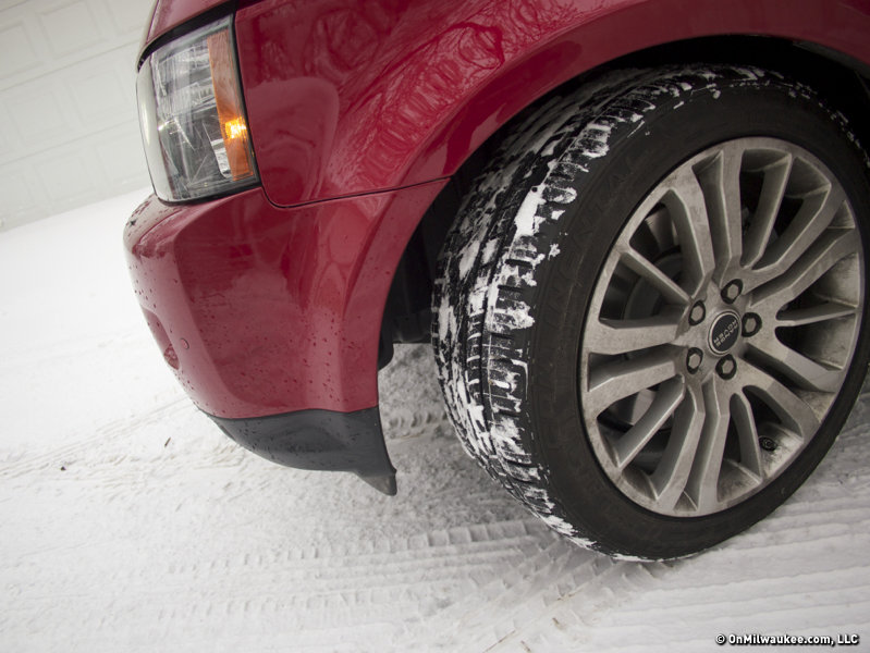 Nineteen-inch wheels take charge in any weather.