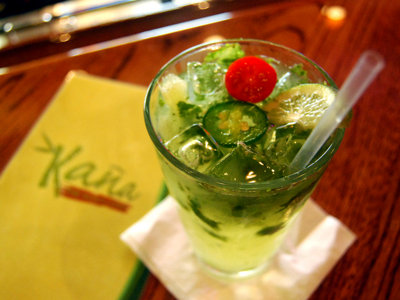 Are you up for Kaña's jalapeño-flavored mojito, the mojito en fuego?