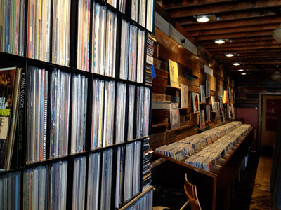 Vinyl resurgence breathes life into record shop business