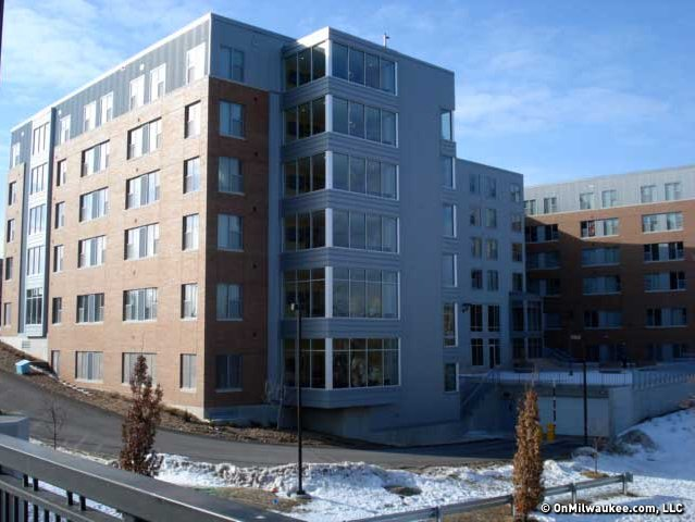 New Uwm Dorm Offers Rooms With A Riverview Onmilwaukee