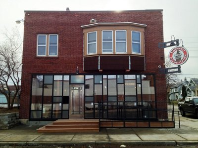 Riverwest Filling Station: Milwaukee's first growler bar