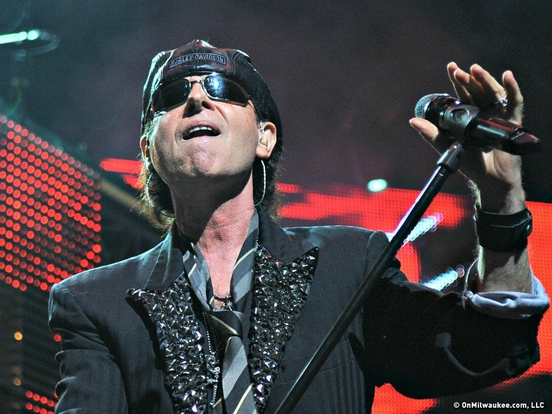 The Scorpions said farewell to Milwaukee in true Metal style Saturday night.