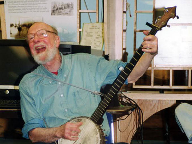 The late Pete Seeger wrote a tribute to the S/V Denis Sullivan in 2001.
