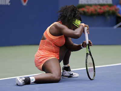 Double choke demonstrates chinks in Serena's amazing dominance