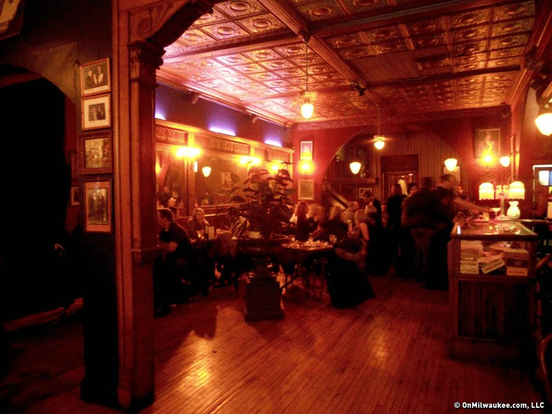 Shaker S Cigar Bar Combines Old World Atmosphere And Even