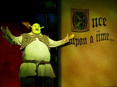 Shrek sings!