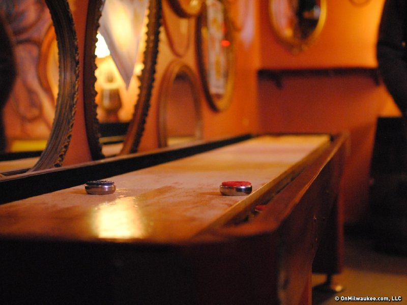 Shuffleboard slides bar-goers into the fun zone - OnMilwaukee