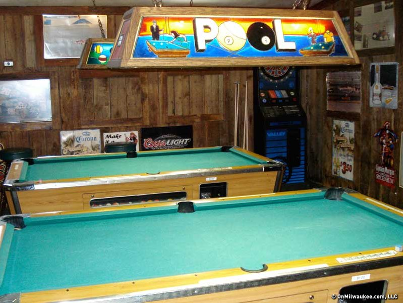 Speedway Inn A Hidden Gem In Busy Brookfield OnMilwaukee - Pool table movers milwaukee wi