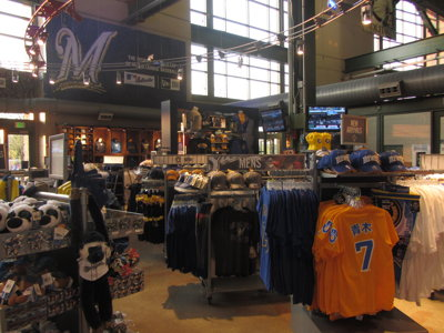 Gear up: Milwaukee has variety of ways to support your team