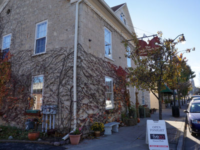 Cedarburg's Stagecoach Inn is historic whistle stop for B&B fans