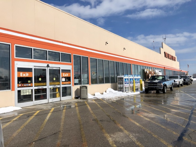 Unexpected Eats The Hot Dog Stand Inside Home Depot Onmilwaukee