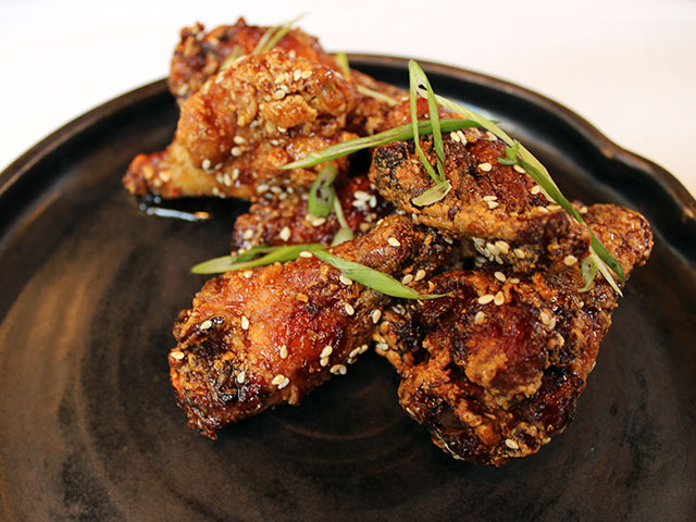 7 delicious wings that fly under the radar onmilwaukee for Golden fish chicken milwaukee wi