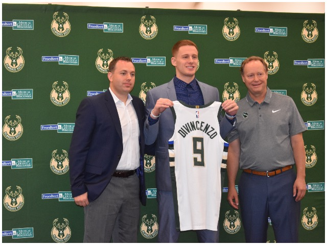 new product 197a4 c34de Bucks introduce Donte DiVincenzo; now Dad has even more ...