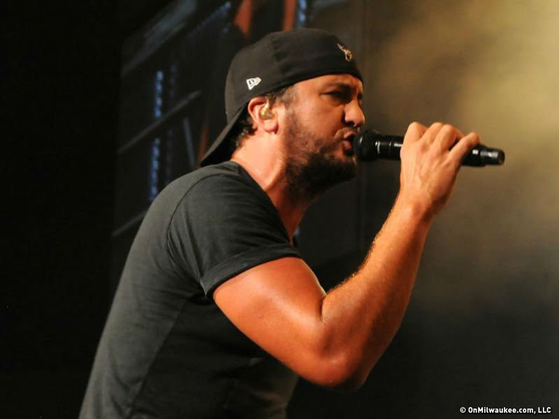 ef36c98fe89 Why fix it if it ain t broke  Luke Bryan delivers another epic Amp ...