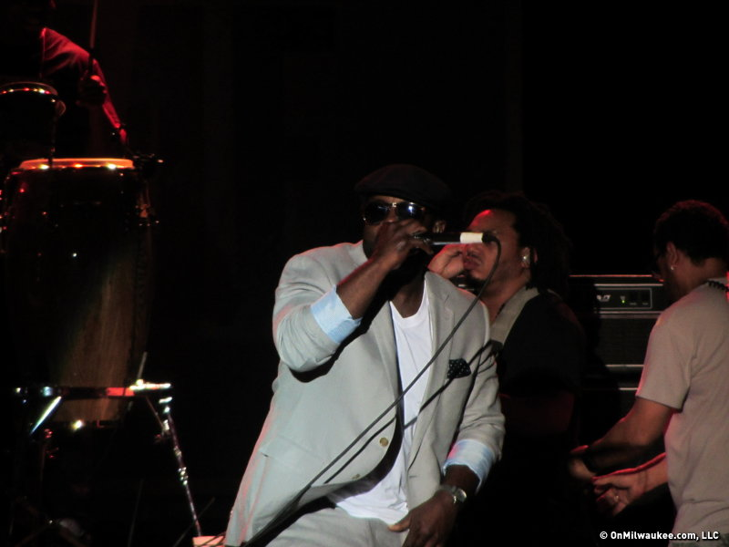The Roots MC Black Thought's strong vocals carried a great set.