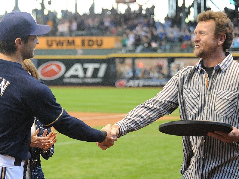 Milwaukee Brewers Hall of Famer Robin Yount, right, accidentally shot Dale Sveum on a hunt.