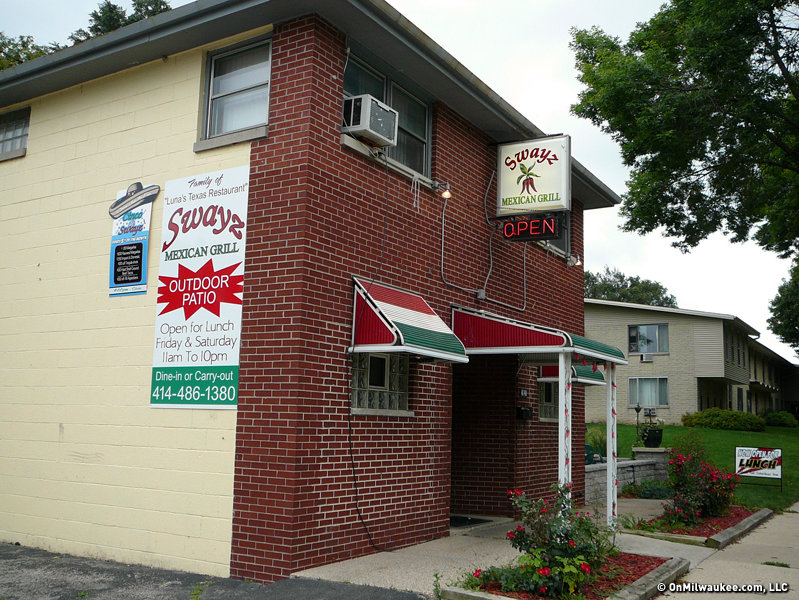 Swayz S Food And Service Ranks With The Other Mexican Restaurants In Milwaukee