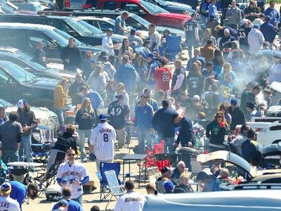 #WeWant: 7 must-haves for a great Milwaukee tailgate