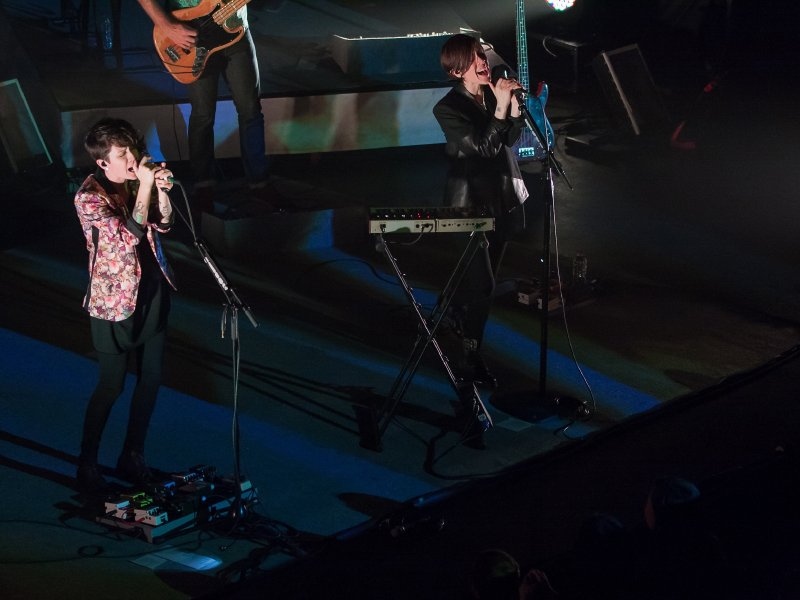 Tegan (left) and Sara rocked The Pabst last night.