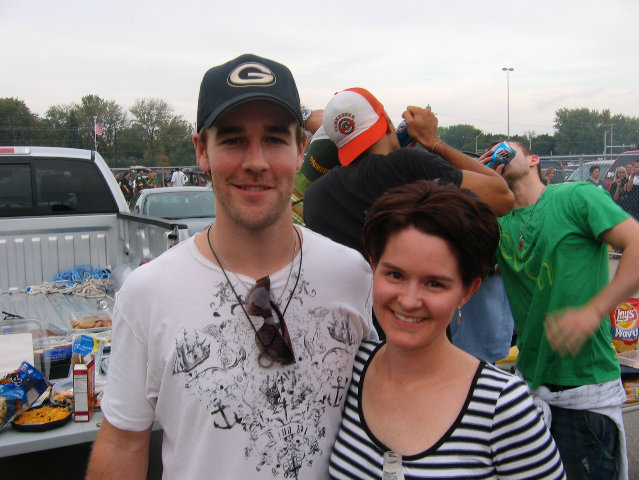 ... and then switches into party mode (check the background) while James Van Der Beek poses with a fan.