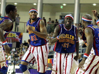 Intergenerational joy with Globetrotters a New Year's Eve tradition