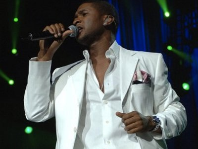 Usher is smooth in return to Summerfest Image