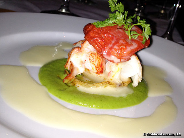 Homard poche au beurre et fennouil braise. Or butter poached lobster with braised fennel.