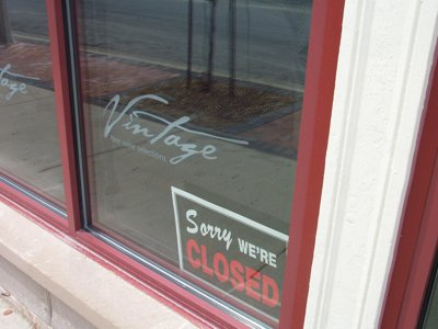 Vintage closed, old New World space seeks tenant