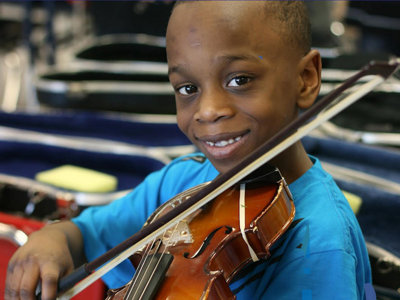WCM drive aims to get musical instruments into the hands of Milwaukee kids