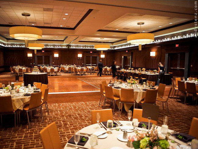 Wedding ceremony and reception venue guide onmilwaukee milwaukees intercontinental hotel photo andy stenz photography junglespirit Gallery