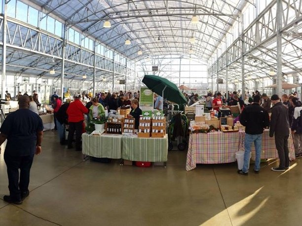 Milwaukee County Winter Farmers' Market open despite Domes ...