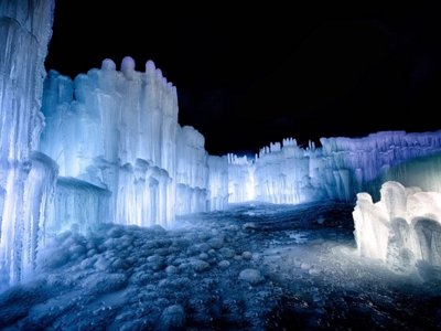 Wisconsin Dells' ice castles reopen on Saturday Image