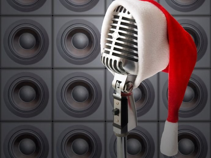 two milwaukee fm stations wmyx and writ are now playing all christmas formats - What Is The Christmas Radio Station