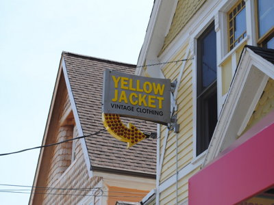 Yellow Jacket wraps it up Image