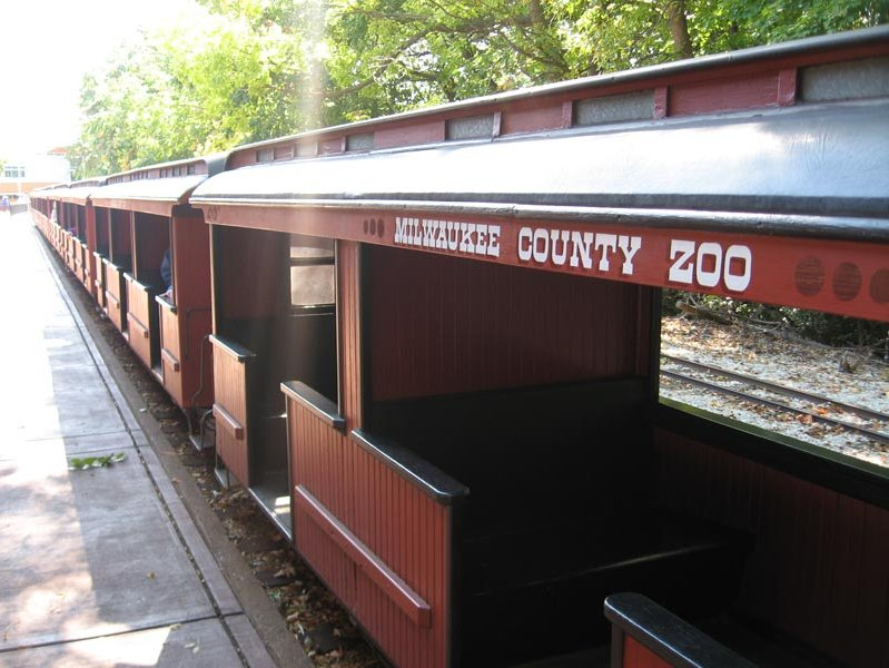 I loved the zoo train as a kid, too.